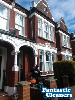 professional cleaning gutters in London